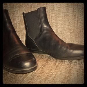 Women's TODS black ankle boots
